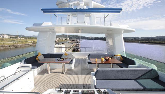 V6 Charter Yacht - 5