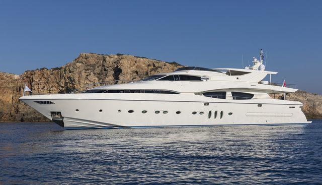 Rini V Charter Yacht