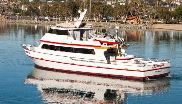 Breezers Charter Yacht