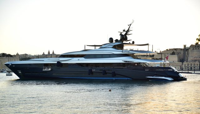 SaraStar Charter Yacht