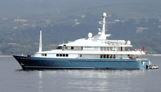 Amore Mio 2 Charter Yacht - 2