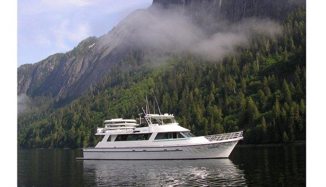 Sumdum Charter Yacht