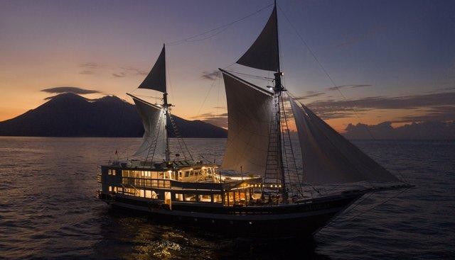 Aliikai Voyage Charter Yacht - 5