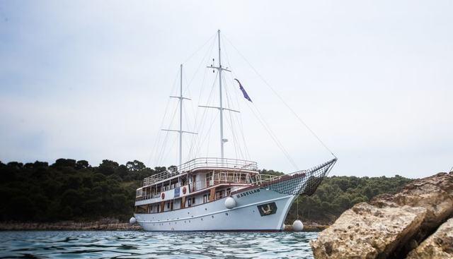Magellan Charter Yacht