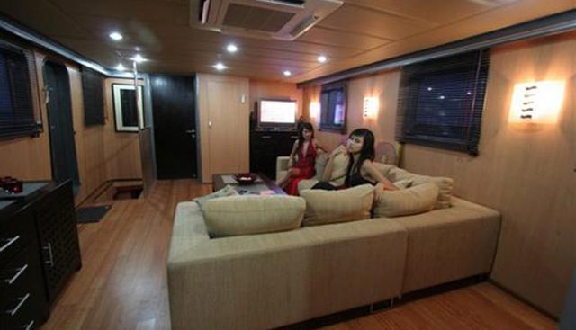 Polaris Charter Yacht