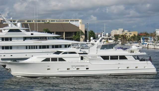 Amixtli Charter Yacht