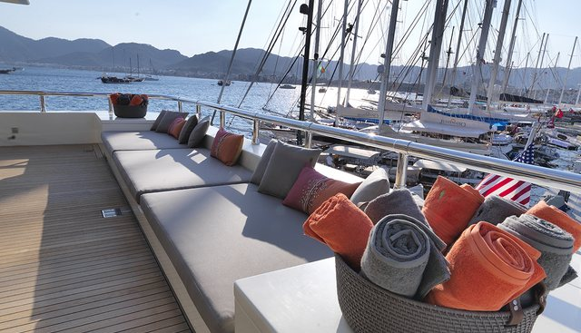 Queen Mare Charter Yacht - 3