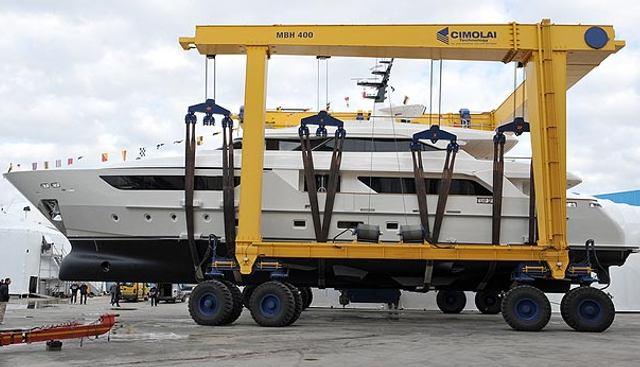 Unus Charter Yacht