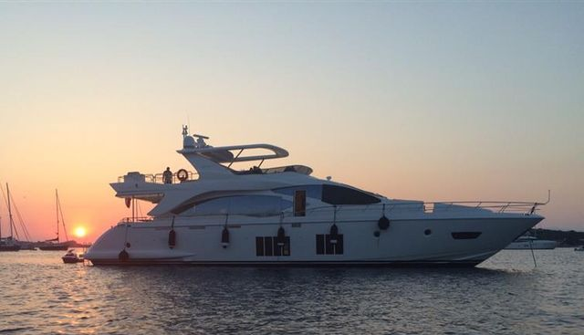 Essenza Charter Yacht