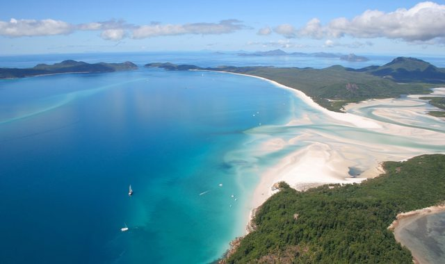 7 Days Discovering The Whitsunday Islands On A Luxury Yacht Charter