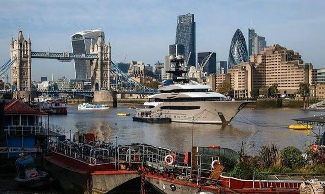 M/Y KISMET Delivered and Spotted in London