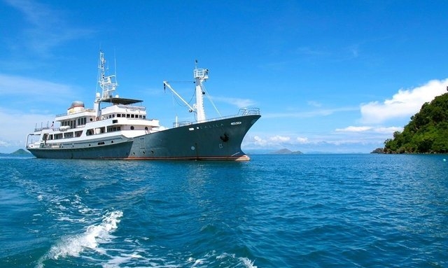 M/Y SALILA Offers Eclipse Experience in Indonesia