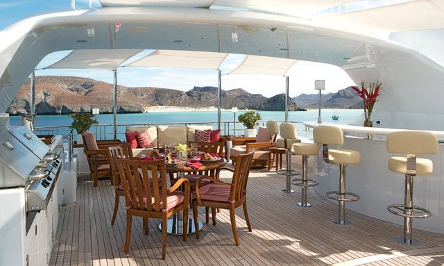 M/Y WILDFLOUR Now Available For Charter