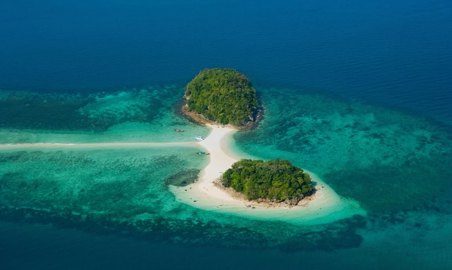 Thailand yacht charters available with S/Y TWIZZLE this November