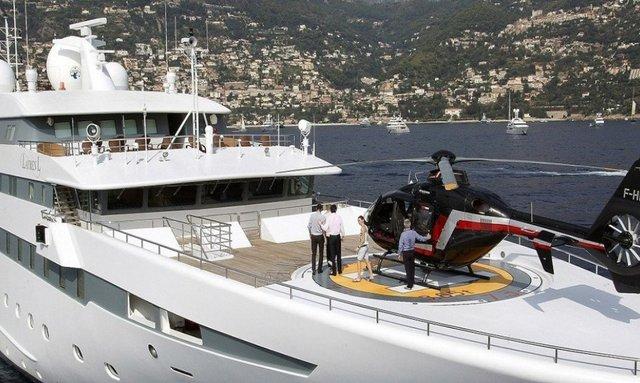 90m superyacht 'Lauren L' gets Greek yacht charter license