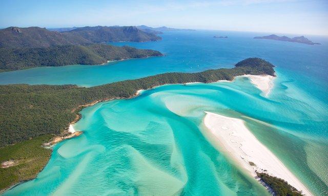Luxury yacht AURORA announces deal on Australia yacht charters