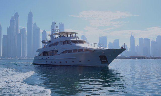 Explore the Arabian Gulf and Oman on M/Y DXB