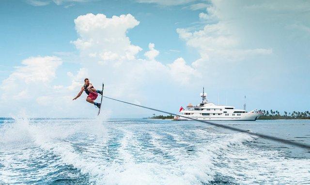 Escape to Tahiti aboard Amels M/Y CALYPSO
