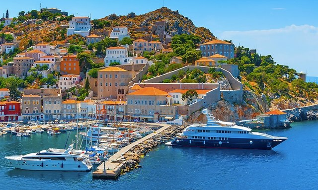 Where To Charter A Luxury Yacht In Greece This Fall