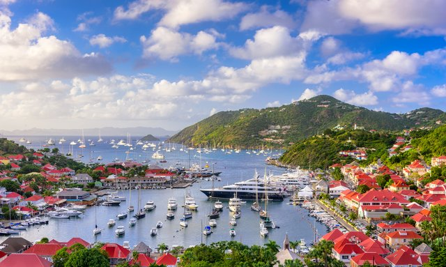 Superyachts gather in St Barts for New Year's Eve festivities