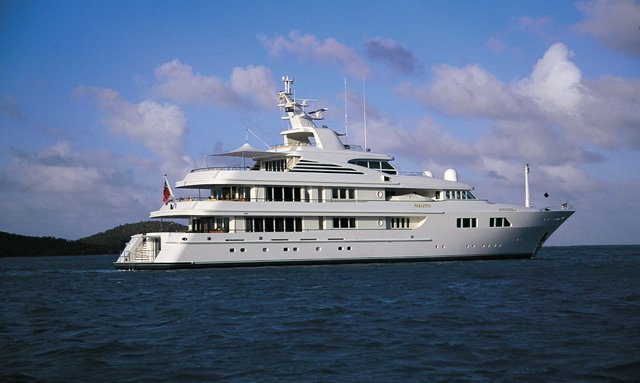 M/Y PARAFFIN Lowers Charter Rate