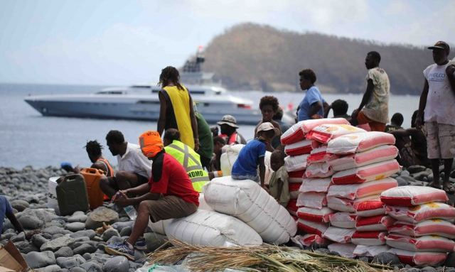 Superyacht DRAGONFLY Helps Cyclone Victims
