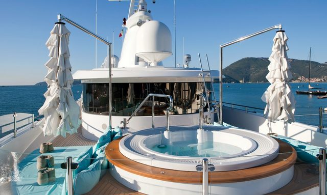 M/Y 'Ramble On Rose' Open For Holiday Charters