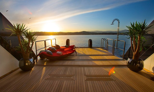 Step on board M/Y 'Cocoa Bean' with brand new virtual tour
