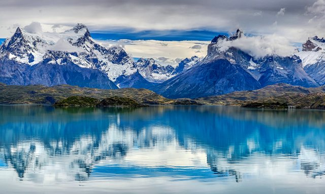 M/Y 'Lauren L' to charter in Patagonia this winter