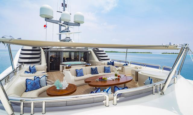 Sun Deck with Jacuzzi & Shades on Calypso