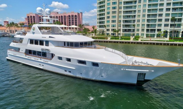 M/Y AQUASITION charters from New England to Florida