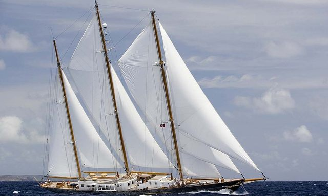 Charter yacht Fleurtje sailing in open water