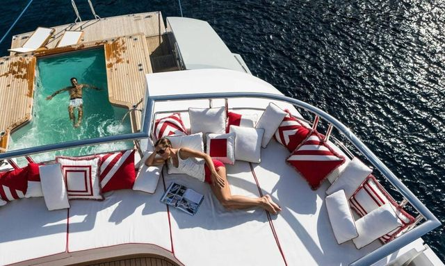 M/Y AXIOMA Offers Special Rate For New Year's Charter