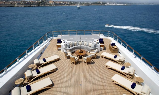 Charter Oceanco Superyacht ANASTASIA in the Maldives
