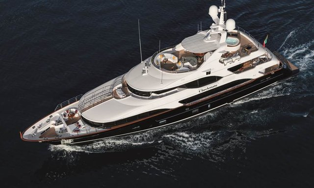 M/Y Checkmate in the Bahamas