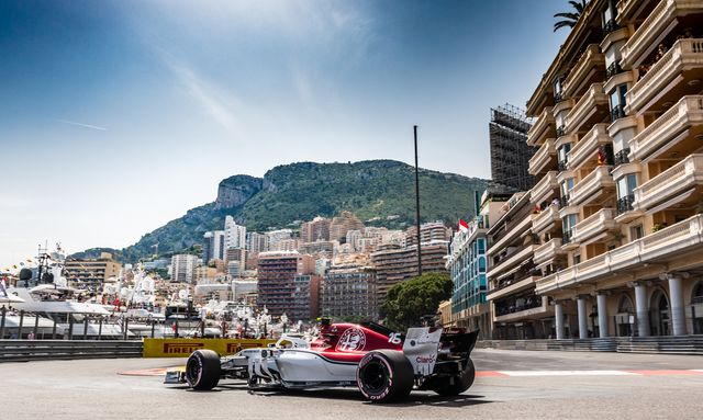 Monaco Grand Prix, cars on the track