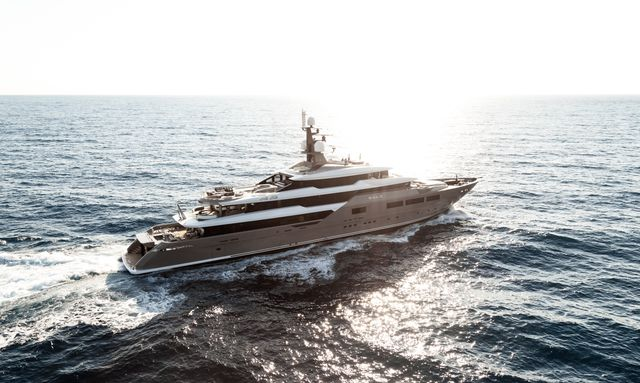 superyacht SOLO underway