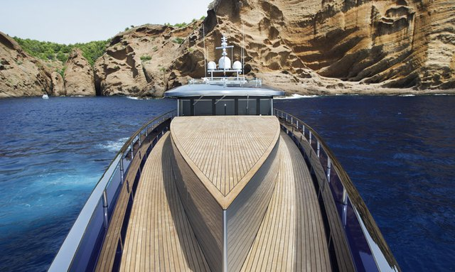 M/Y BLADE Offers 15% Reduction