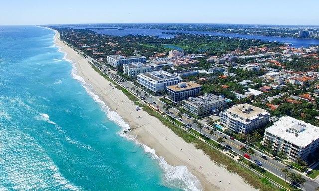 Birds eye view of Palm Beach, Florida