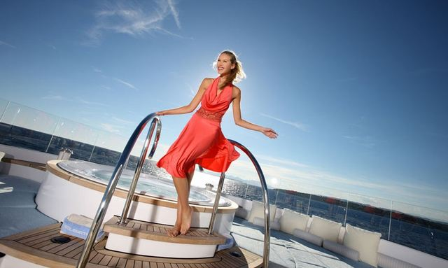 Last-Minute Holiday Offers on Caribbean Charters