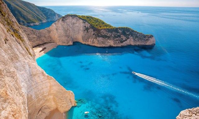 Greece yacht charter gets green light as Coronavirus restrictions relax