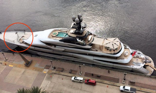 Lurssen Superyacht Kismet with basketball hoop on the bow