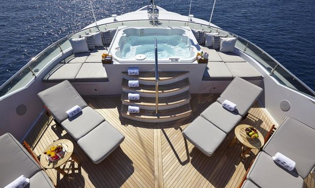 M/Y 'Zoom Zoom Zoom' Reveals New Year Availability