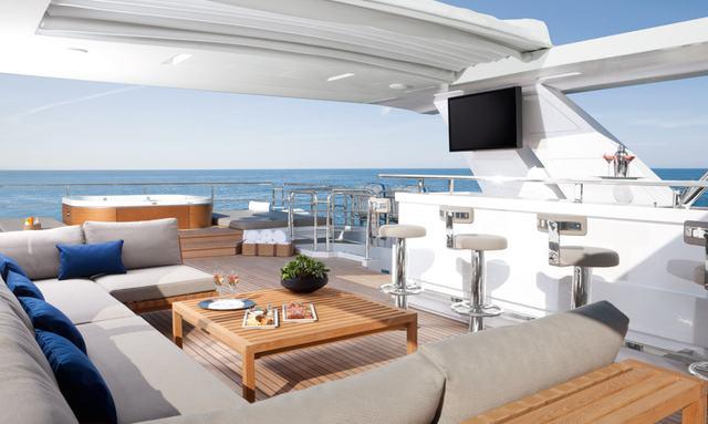 M/Y 'Cheers 46' Joins Bahamas Charter Fleet