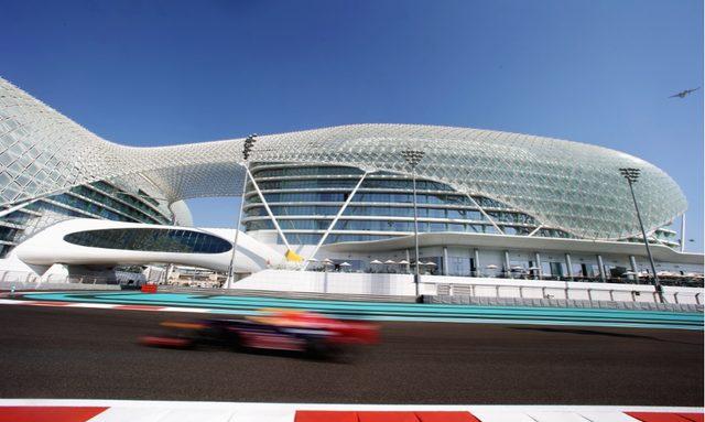 Abu Dhabi F1 Yacht Charter