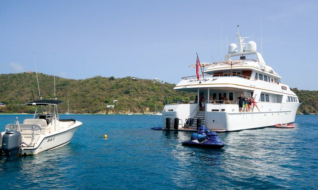 M/Y 'Lady J' Provides Aid To The Caribbean