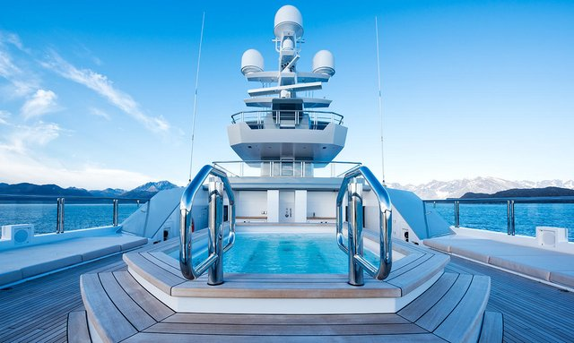 Highly flexible upper deck on Cloudbreak