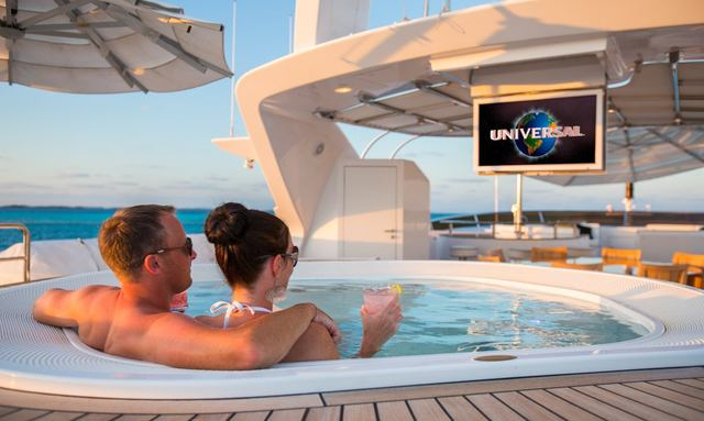 M/Y CHECKMATE Opens For The Holidays