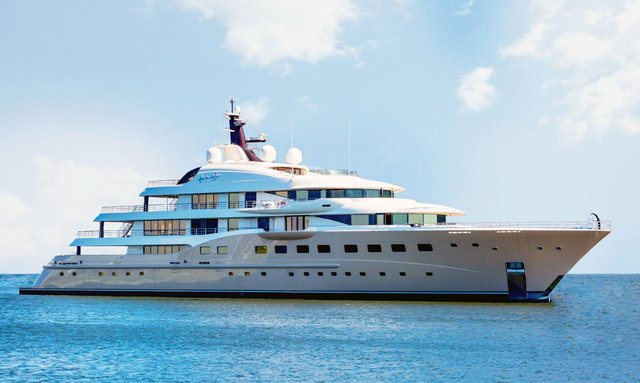Ring in 2019 aboard Amels M/Y 'Here Comes The Sun'