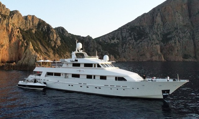 Heesen superyacht LIONSHARE available for Mediterranean yacht charter